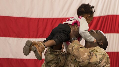 Nearly 800 Soldiers Return Home After Sudden Deployment To Middle East