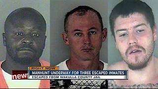 Manhunt underway for 3 escaped inmates in Florida - Video