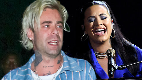 Demi Lovato REBOUNDS From Cry Baby Max Ehrich With Bella Thorne's Ex, Mod Sun!