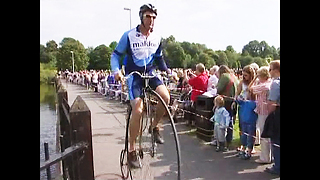 Endurance Penny Farthing Racing - Video