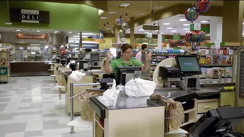 Publix provides contactless pay options to help keep shoppers and employees safe