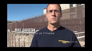 Navy SEAL training how to do pull ups the Navy SEAL way - Video