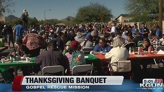 Thousands attend Thanksgiving dinner in Tucson - Video