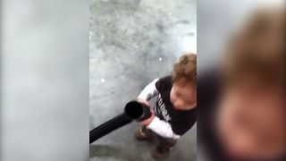 Kid Gets Hand Stuck In Vacuum - Video