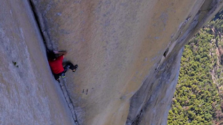 Man Climbs 3,000-ft. Wall with NO Rope! - Video