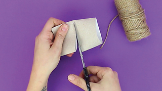 How to create a napkin ring with string and cardboard roll - Video