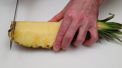 How to cut and serve a pineapple