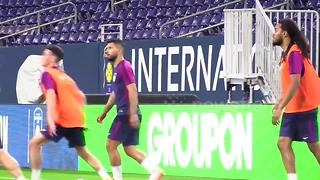 Sergio Aguero's cheeky 'no-look pass' during Man City training - Video