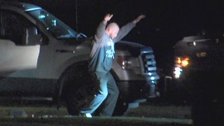 Man holds baby hostage during standoff with police in Mentor - Video