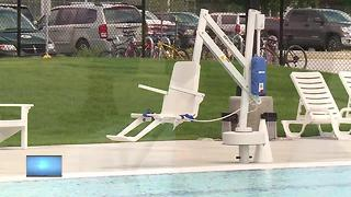 Appleton community celebrates Erb Park pool reopening - Video