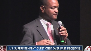 Lee's Summit superintendent questioned over past decisions - Video