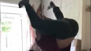 Man's hilarious pole dancing fail