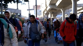 Half Of The 'Second Caravan' Leaves Mexico City
