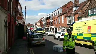 Salisbury street evacuated as police probe 'suspicious package' - Video