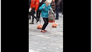 Elderly woman shows off her dance moves - Video