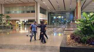 Australian Tourist Charged After 'Drunken Sprees' in Singapore - Video