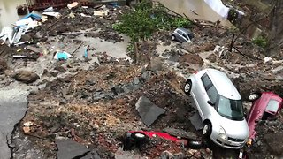 Wall Collapses in Mumbai Following Heavy Rain, Damaging Road and Cars - Video