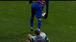 Messi just finished the Career of This Celtic player. - Video