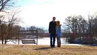 Surprise marriage proposal brilliantly captures young love - Video