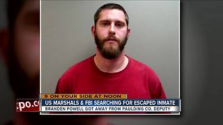 U.S. Marshals, FBI searching for escaped inmate - Video