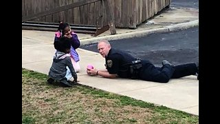 Virginia Police Officer Takes Time to Play With Neighborhood Kids - Video