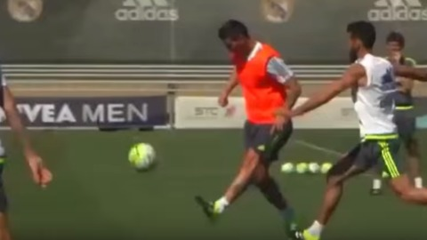 "VIDEO: James Rodriguez scored a ""vaselina"" goal during the training"