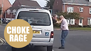 Shocking dashcam captures fuming motorist trying to strangle a driving instructor - Video