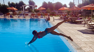 Pool diving backwards - Video
