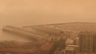 Smoke From Nearby Fires Shrouds San Francisco - Video