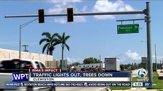 Traffic lights out, trees down in Clewiston - Video