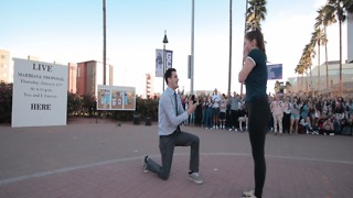 PROPOSAL! GCU student surprises his girlfriend on campus - ABC15 Digital - Video
