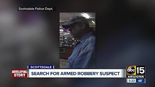 Police looking for man who robbed Scottsdale Circle K at gunpoint - Video