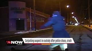 Suspect in Lakewood carjacking arrested after leading police on chase, crashing stolen car - Video