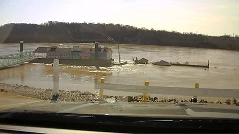 Lawrenceburg, Indiana tiki bar sinks into the Ohio River