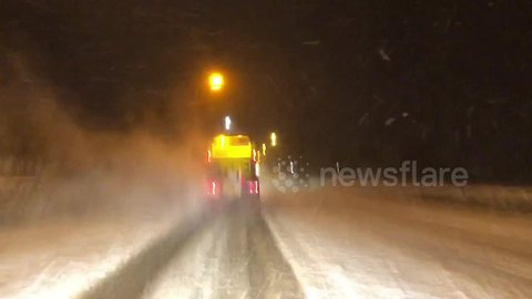 """Unsung heroes"" gritting UK roads in the early hours of the morning"