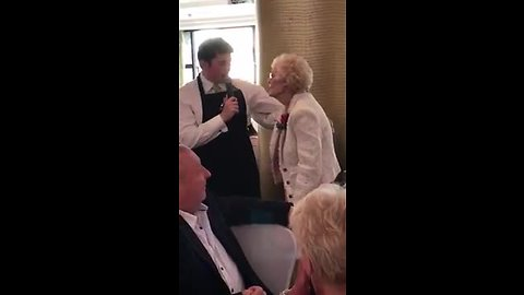 Singing waiter leaves guest in tears, gets standing ovation