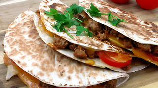 How to make cheeseburger quesadillas - Video