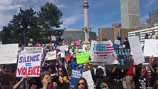 Crowd chants 'this is what democracy looks like' at Denver rally - Video