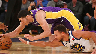 Lonzo Ball Suffers NASTY Eye Gash While Diving for the Ball Against Steph Curry - Video