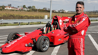 Mechanic Builds His Own Formula 1  - Video