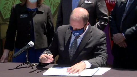Gov. Polis signs two small business relief bills