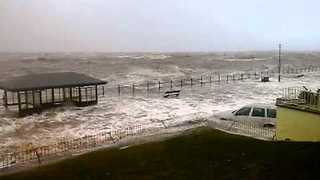High tide during storm in West Kirby causes massive damage  - Video