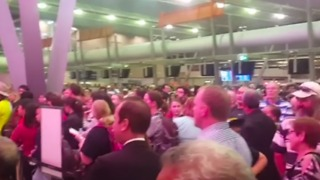 Technical Issues Disrupt Travels at Sydney Airport - Video