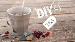 DIY Tea: Cranberry and Egyptian flower - Video