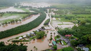 Drone footage shows severe flooding in Hawaiian county - Video