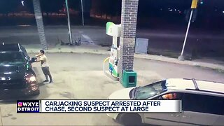 Off-duty police officer carjacked at gunpoint in Detroit, suspect arrested
