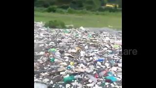 River of plastic in Himalayas sparks outrage in India - Video
