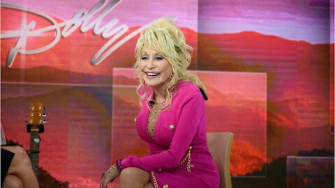 Dolly Parton Donated One Million Dollars For Covid Research