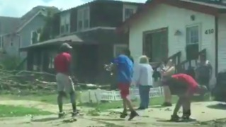 Iowa State Football Players Help With Tornado Cleanup in Marshalltown - Video