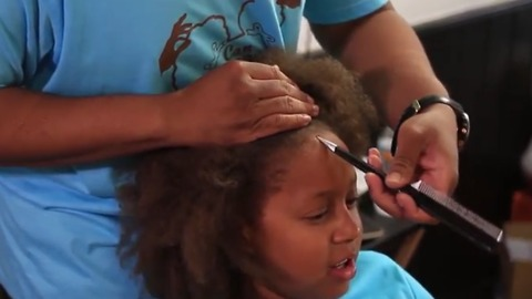 After Learning How to Do His Daughter's Hair, He Decided to Take His Talents to the People